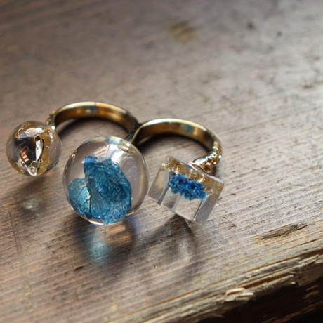 tomodachi ring ブルーの紫陽花とかすみ草