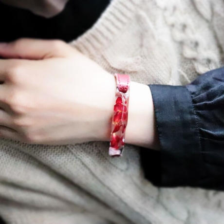 ブレスレット 透明色の影(氷型)赤バラの花びら x Black, Red