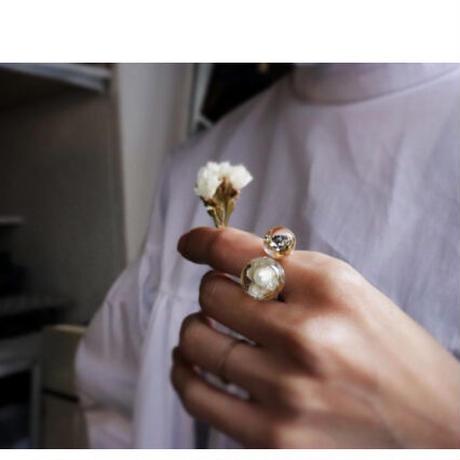 咲リング 白いアンモビウム