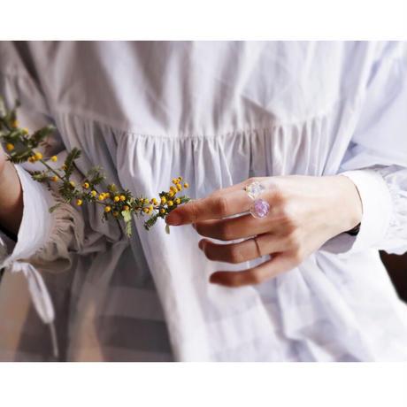 咲リング ペールパープルスターチス と カスミソウ