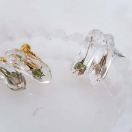 氷ピアス/イヤリング 一輪の薔薇の蕾