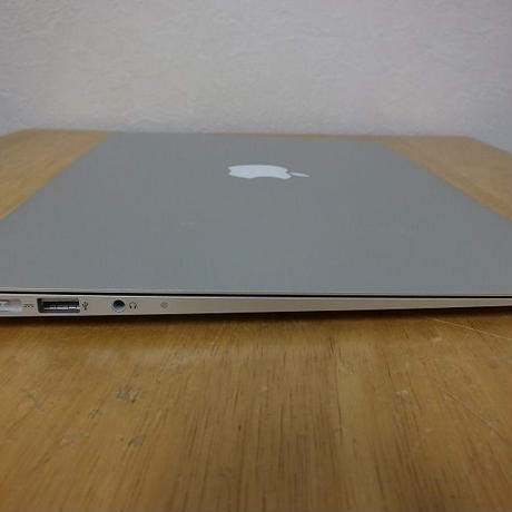 Apple MacBook Air 13インチ  Mid 2012