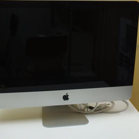 Apple iMac21.5inch Mid2010