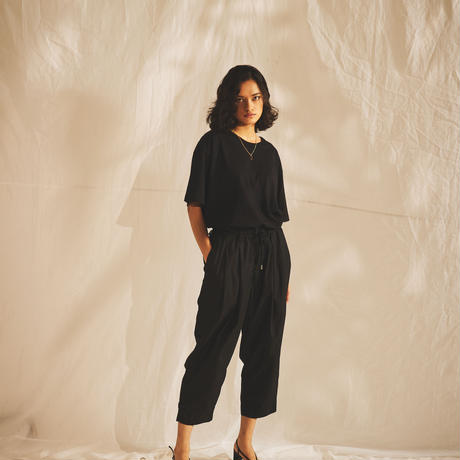 ESSENTIAL WIDE CROPPED PANTS
