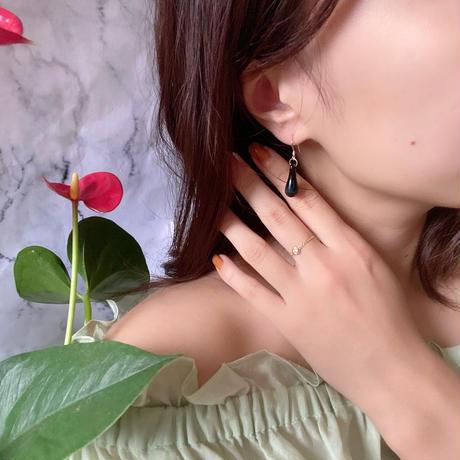 Lala pierced black