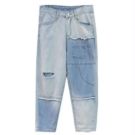 アシンメトリーなカラー&デザインが魅力のジーンズ