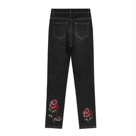 黒青バックバラモチーフワンポイント花柄スキニージーンズ