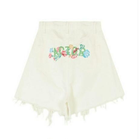 バックマルチカラー花柄&ロゴ刺繍オフホワイトカットオフデニムキュロット
