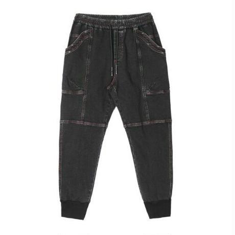 メンズ赤ステッチ裾リブ異素材デニム黒ジョガージーンズ