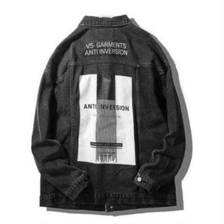 メンズバックスクエアロゴプリント青黒デニムジャケット
