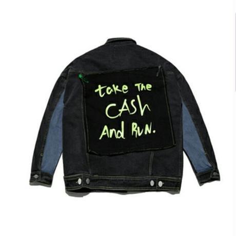 メンズバック安全ピンロゴ布付き青黒デニムジャケット
