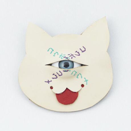 【コウボウコウメ】オトモメダマ 猫ブローチ IK-B01
