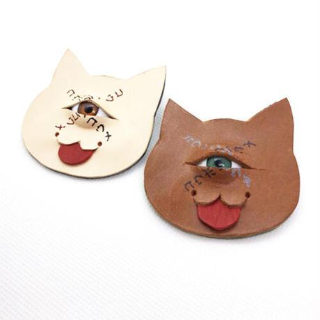 【コウボウコウメ】 オトモメダマ 猫ブローチ カラーバリエーション IK-B02/03