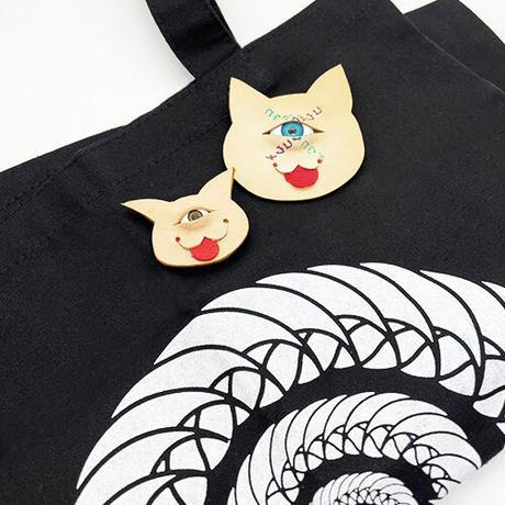 【コウボウコウメ】オトモメダマ猫ブローチ IK-B05