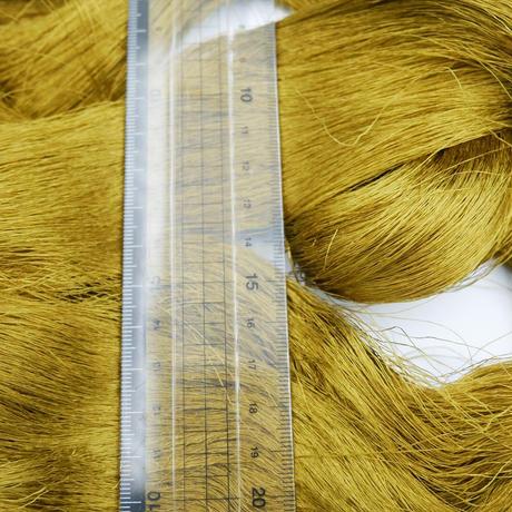 西陣織で使われている絹糸 綛糸(かせいと)28中3片 カーキ ゼラチン加工済み