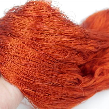 西陣織で使われている絹糸 綛糸(かせいと)21中4片 赤茶