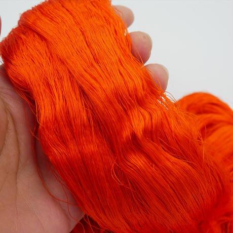 西陣織で使われている絹糸 綛糸(かせいと)21中4片 朱