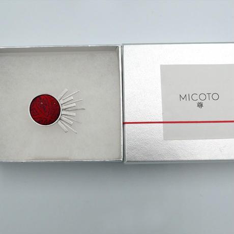 〈尊 MICOTO〉 ピンブローチ16 SPUTNIK 赤地 七宝紋様