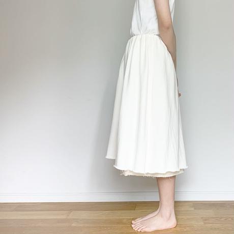 ワイドゴムスカート 裾断ち切り