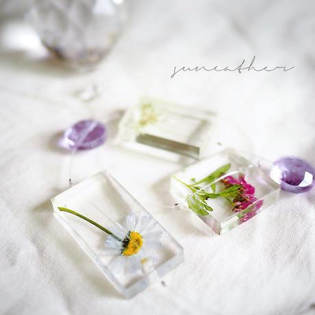 紫小花のサンキャッチャー