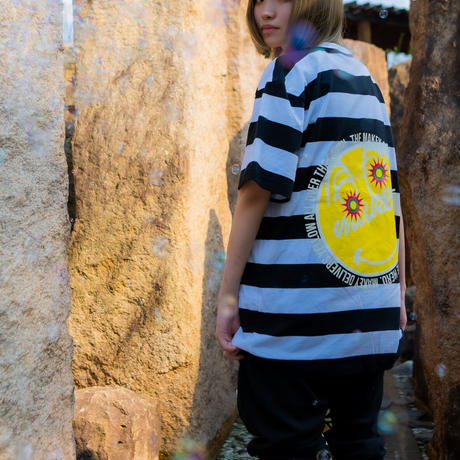 "【Back style】Yellow ""MAKEY SMILEY"" Big silhouette T-shirts /【Black×White】"