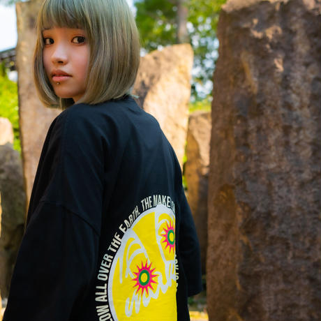 """【Back style】Yellow """"MAKEY SMILEY"""" Big silhouette T-shirts /【Black】"""