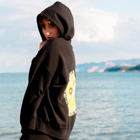 """Yellow """"MAKEY SMILEY"""" Big silhouette Hoodie 【Back style】"""