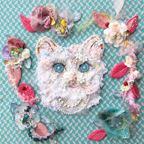 """刺繍 ビーズ  猫 """"Miaou Miaou  〜Les fleurs〜"""""""