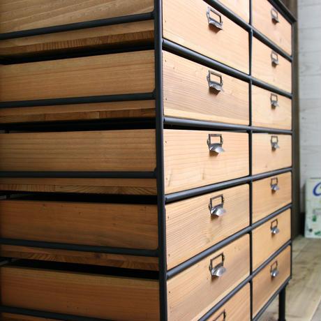 アイアンと木箱のドロワー2列7段