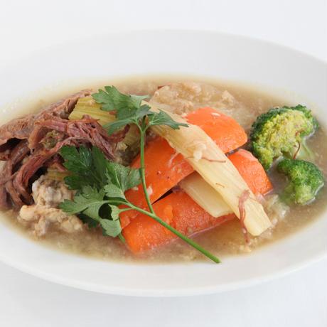牛スジ肉と季節野菜のボリート(ポトフ)