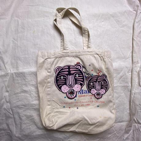 ピンクのトラと子トラのトートバッグ