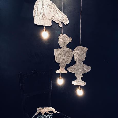 石膏像の男のランプ