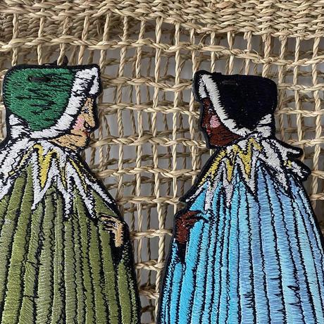 籠バック 3人のコートの女たち