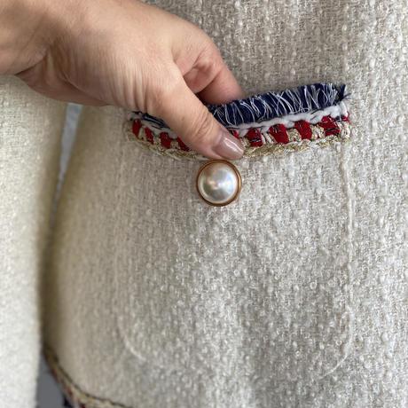 ホワイトツイードジャケットパールボタン