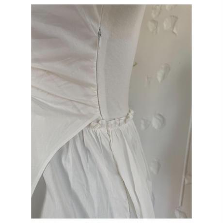 アシンメトリーフリルTシャツホワイト
