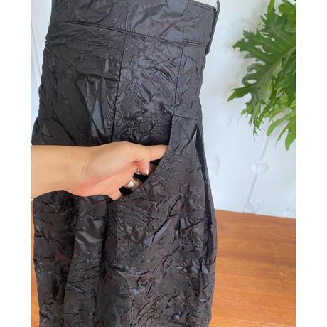 型押しツヤロングスカート