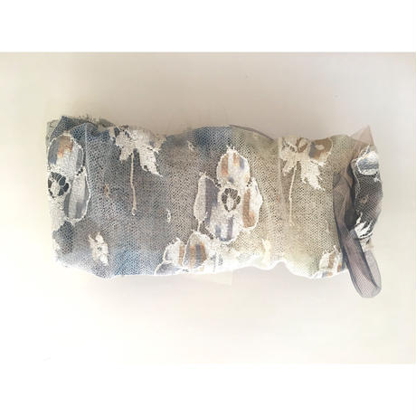 gradational ribbon/Gray