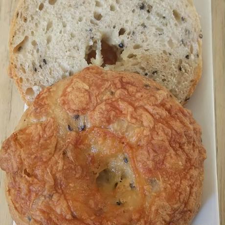 0105-胡麻とよつ葉チーズ ベーグル(1ヶ入)