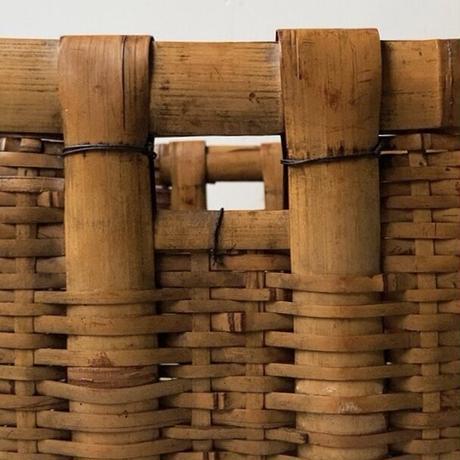 古い竹編 太いフレームが頼もしい野良籠  野菜籠  古民具  古民藝. 美エイジング品  ヴィンテージクラフト