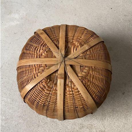 竹編みの壺籠  民藝籠  まるカゴ  ござ編みワイヤー混合  頑丈な作りです。ヴィンテージフォークアート 手仕事  小物入れ  屑籠  良品