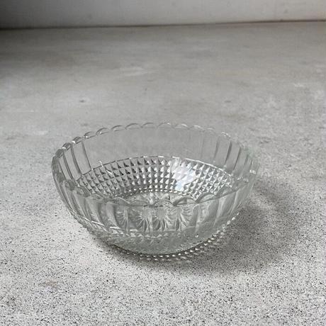 ヴィンテージ  ガラス器  昭和初期 プレスガラス 菊紋底  深皿 小鉢 ゆらゆら気泡硝子 完品