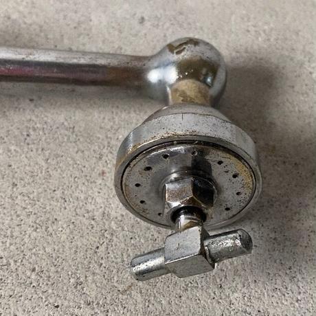 ヴィンテージシャワー蛇口 ネジ式開閉 節水 インテリア小物 真鍮パーツ 古道具