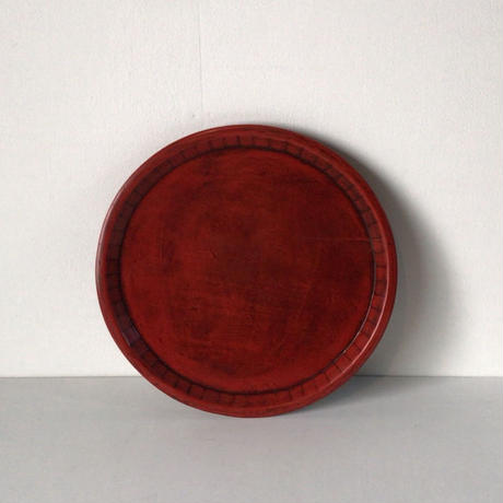 朱漆塗  木製丸盆  鎌倉彫  シンプルデザイン 裏面も素敵。26.3cm