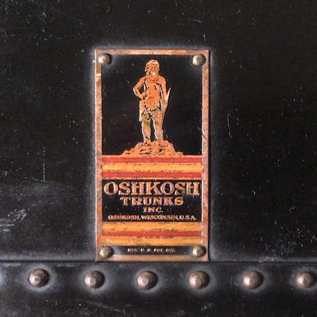 OSHKOSH TRUNKS inc (オシュコシュ社製 )  大型ヴィンテージトランク  ブラック 真鍮金具  made in New England  アメリカ製
