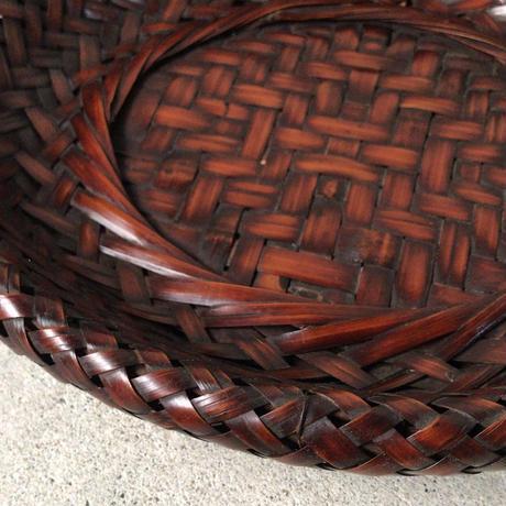 古い竹編皿  オーバル型 最大幅約27cm  艶感良好  古民藝  古道具  骨董 天然素材 ささくれ等ダメージ無くほぼ完品