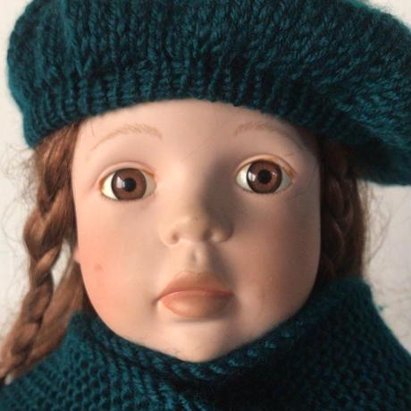 Orchidee  オルキデ   アンティーク ビスクドール  シリアルナンバー 698/1000   少女 子供  高級  人形  陶器  冬衣装有り