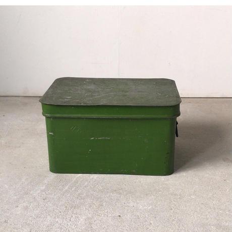 ヴィンテージ  蓋付き ブリキ缶  箱.  緑塗装 グッドエイジング  米櫃  保存ケース  道具箱  アンティークスチール ボックス