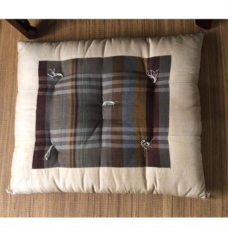 松坂屋 昭和中期 高級綿座布団 長方型 マドラスチェック ペアで。