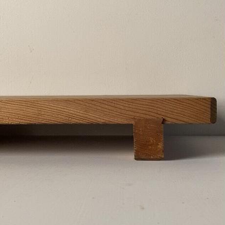 杉一枚板無垢材 足付きまな板 蟻形包みほぞ継加工 古いまな板 木工 カッティングボード ヴィンテージキッチンツール