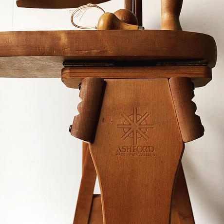 ASHFORD アッシュフォード 社製 木製 紡毛機 ニュージーランド製  糸車 手紡ぎ機 紡ぎ車 羊毛 ハンド クラフト 手仕事  made in newzealand